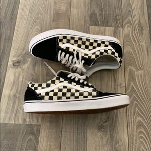 Black checkered vans size 10.5